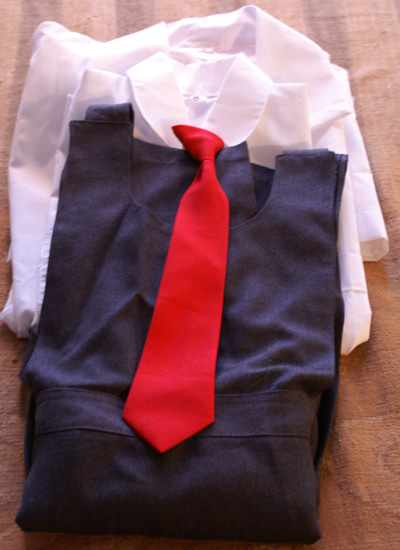 School_uniform_from_Bolivia wikimedia commons